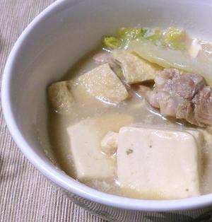 重曹ひとつでトロトロ濃厚!!美味しすぎる豆腐豆乳鍋