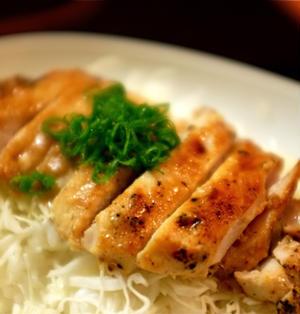 鶏もも肉の味噌ヨーグルト漬け。