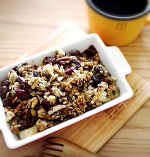 チョコバナナのグラノーラグラタン♪時短&オシャレな朝ごはんレシピ